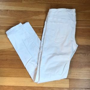 American Eagle Woman's White Stretch Jeggings